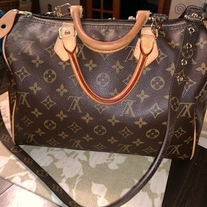 Authentic Louis Vuitton Speedy 30 w/ strap
